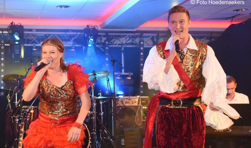 Tamara en Stef Koonings: winnaars liedjesfestival De Piëlhaas. Foto: Hoedemaekers.