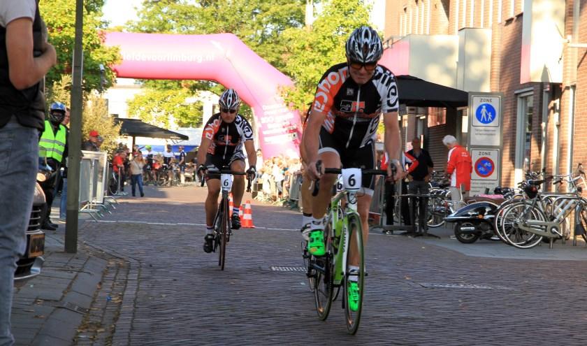 De ploegentijdrit in Venray was een groot succes. Foto: Rikus ten Brücke.