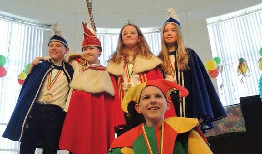 Het prinselijk gezelschap van basisschool Petrus' Banden.