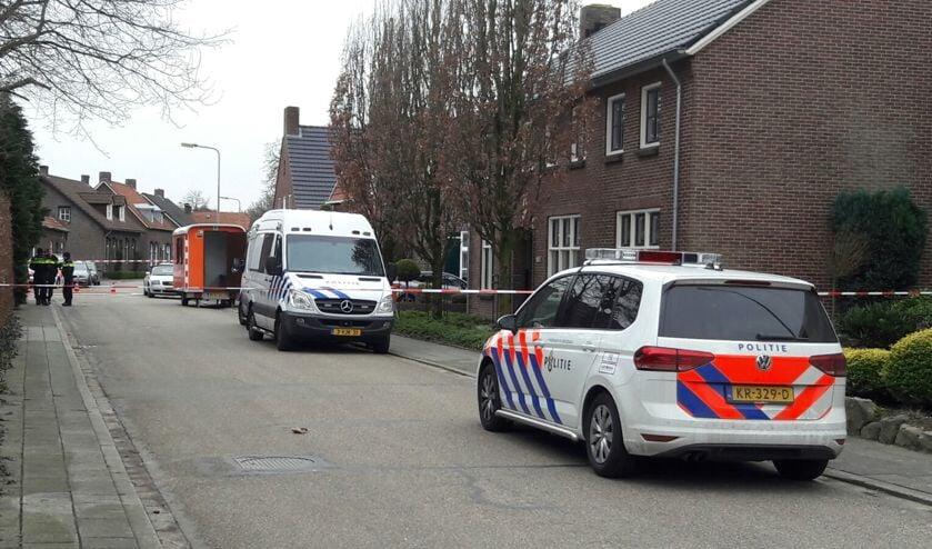 De politie is aan de Jan Franssenstraat in Blitterswijck een groot onderzoek gestart.