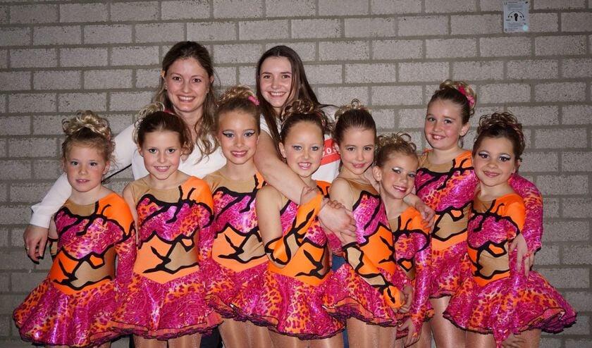 De talentvolle dansgroep Flair.