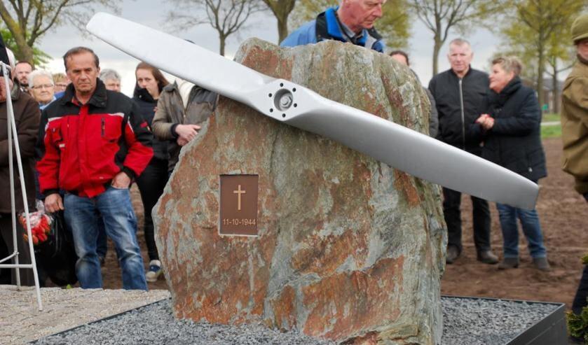 Het zondag onder grote belangstelling onthulde oorlogsmonument in Ysselsteyn. Foto: Patrick Marcellis.