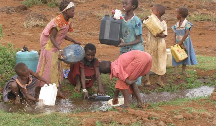 De Ysselsteynse kinderen gaan wandelen voor water, net als hun leeftijdgenoten in ontwikkelingslanden.