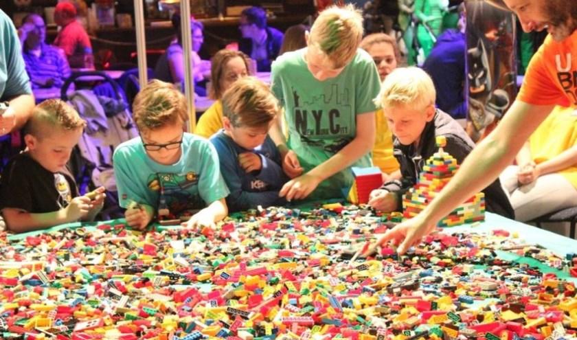 Het legofestijn Bouwblokjes komt weer naar Evenementenhal Venray. Foto: Evenementenhal.