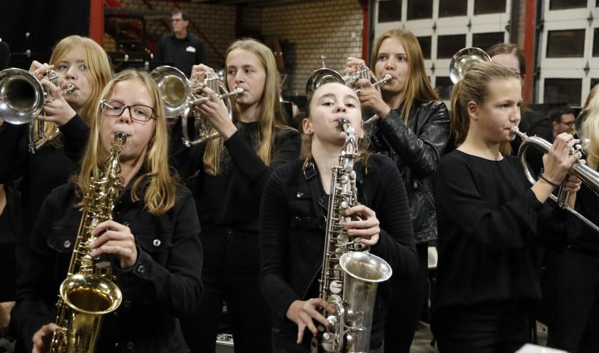 De laatste jaren heeft fanfare St. Oda veel jonge muzikanten aangetrokken. Foto: Rikus ten Brücke