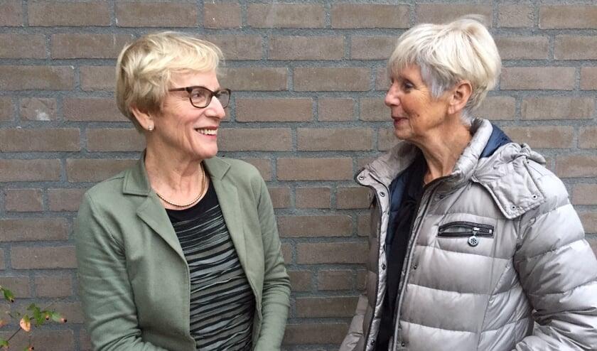 Miny Boersma, voorzitter VPTZ (l.) en gespreksleider Leny Thielen (r).