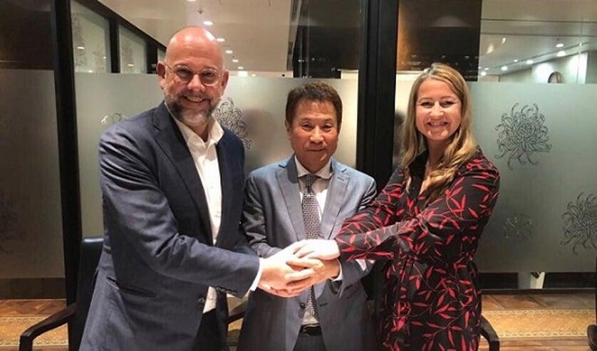 Foto v.l.n.r.: Frank van Gool (CEO OTTO Holding), Mr. Haruhiko Doi (CEO OSI) en Karolina Swoboda (Operational Director OTTO Work Force NL).