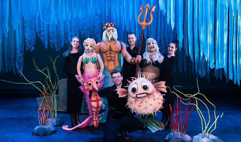 De cast van De Kleine Zeemeermin. Foto: Boy Hazes.