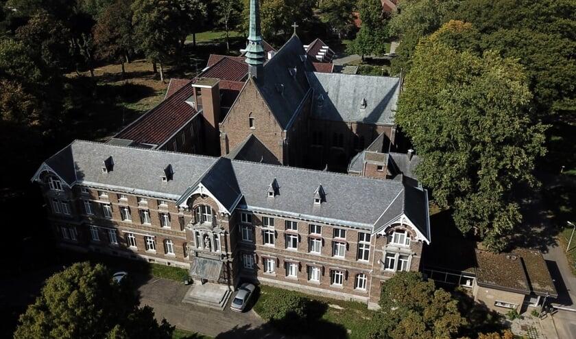 De Taaafel is van 5 november tot en met 13 december gevestigd in de kapel op het St. Annapark.