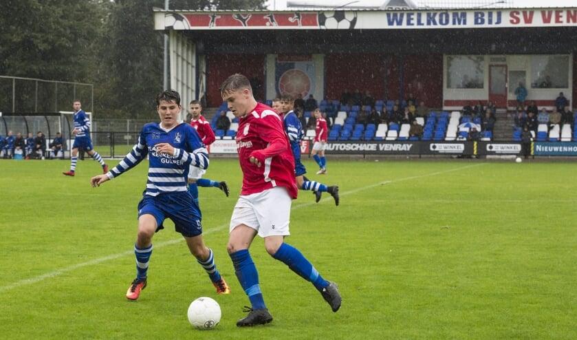 SV Venray opende de voetbalcompetitie zondagmiddag met een duel tegen Bekkerveld. Foto: Jolijn van Goch.