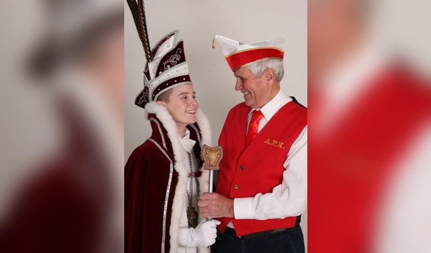 Jeugdprins Thimo met opa en oud-prins Lambert Janssen. Foto: Marieta Fotografie