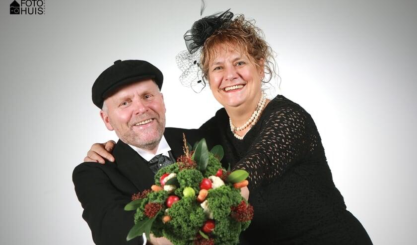 Het boerenbruidspaar van de Schânseknuppels. Foto: Fotohuis Venray.