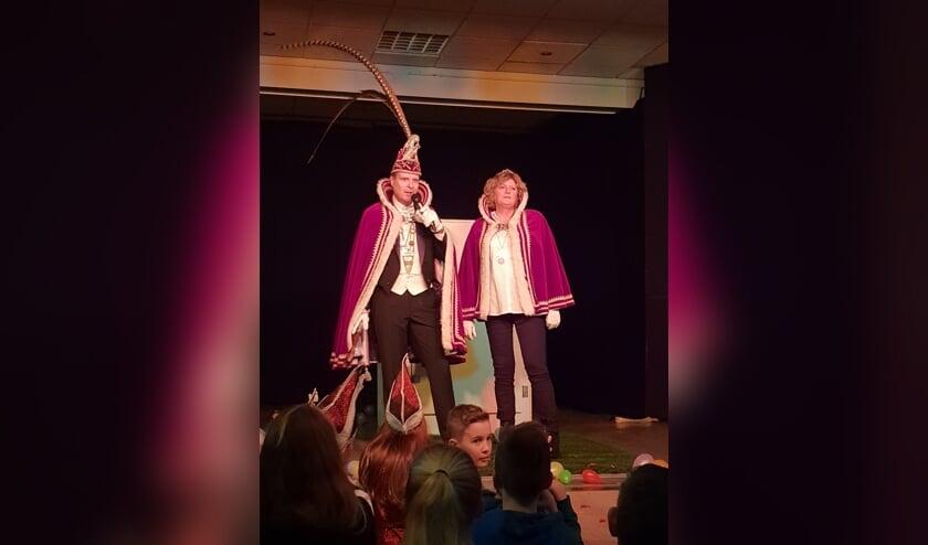 Prins John en prinses prinses Marjon  van de jubilerende Spurriemök in Oirlo.