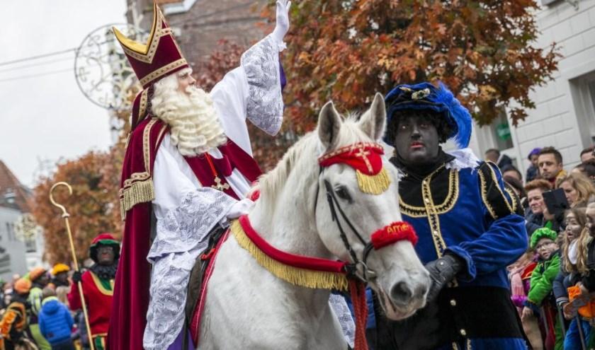 Sinterklaas kreeg zondagmiddag een warm onthaal in hartje Venray.
