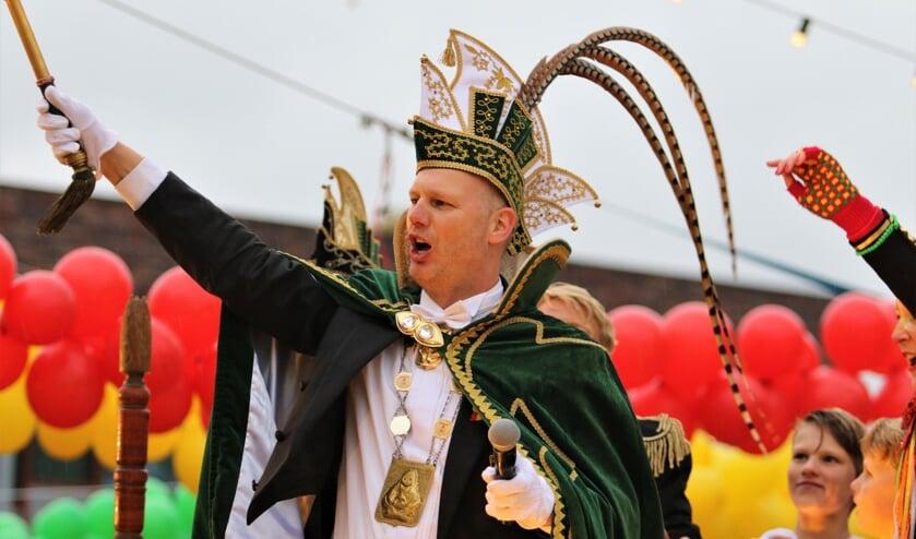 Hans I, de 66ste prins van De Huibuuke in Overloon......