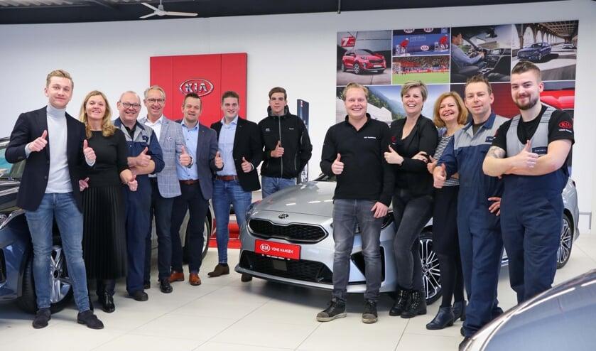 Het team van VDNS Hansen is trots op de titels Platinum Prestige Dealer én Dealer of the Year.
