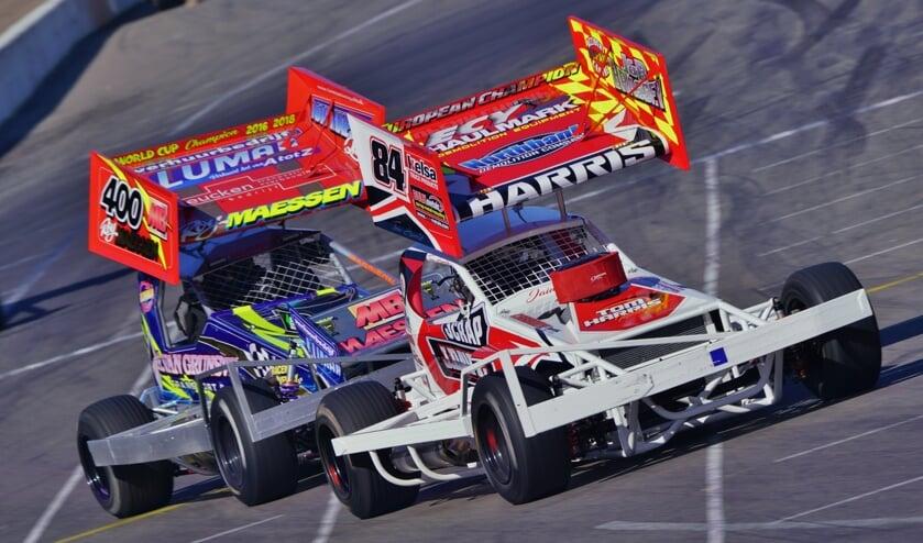 <p>Raceway Venray houdt op zondag 16 augustus vanwege corona voor een beperkt aantal bezoekers zijn clubrace.&nbsp;</p>
