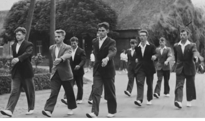 De historie van de Venrayse avondvierdaagse staat komende zaterdag centraal in het tv-programma Venray van toen.