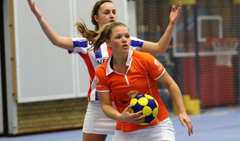 Oranje Wit hervatte de veldcompetitie met een overwinning in Bladel. Archieffoto Peel en Maas