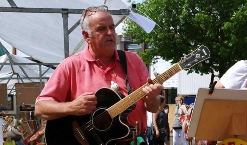 Wim Kunen uit Geijsteren, alias Geutefix, treedt zondag 14 april op in De Peelstreek in Ysselsteyn.