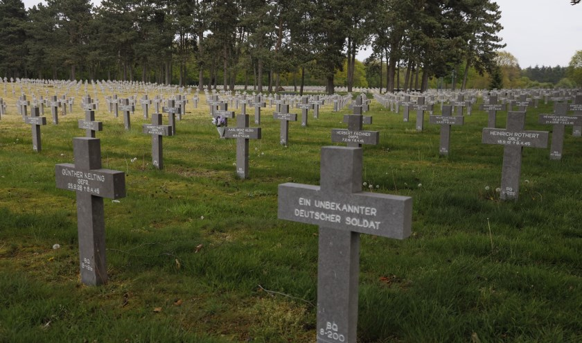 De Duitse militaire begraafplaats in Ysselsteyn ligt aan de Liberation Route Europe.