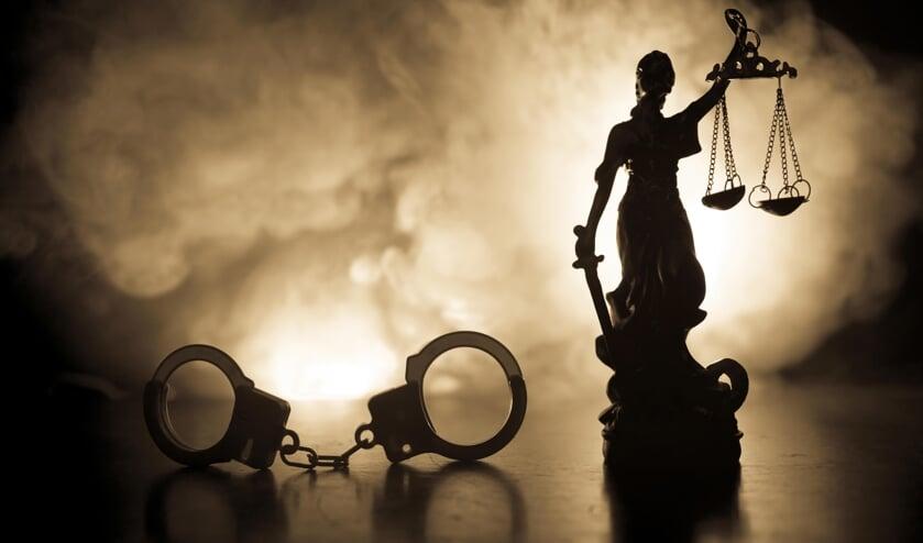<p>Venraynaar Marcel J. is door de rechtbank in Roermond veroordeeld tot vier jaar celstraf voor sexting. </p>