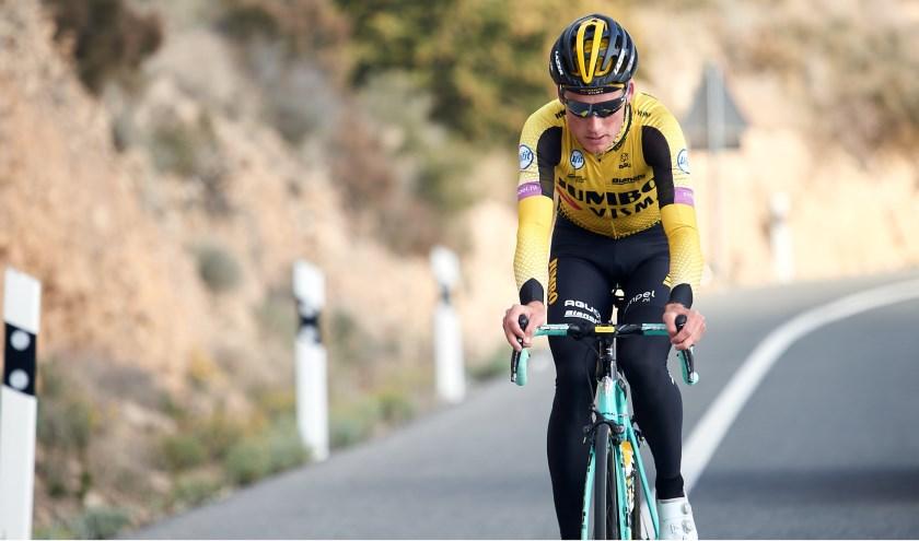 Mike Teunissen fietst vrijdag tijdens de BinckBank Tour een thuiswedstrijd in Venray.