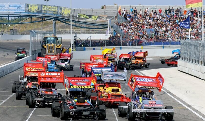 Raceway Venray staat komend weekend weer in het teken van autospeedway.