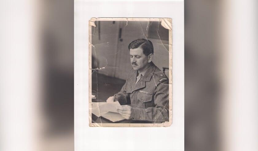Kapitein John Calder.