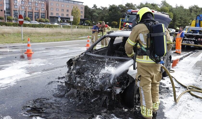 <p>Een van de autobranden in Venray in 2019.&nbsp;</p>