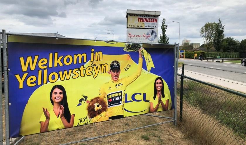 Ook Ysselsteyn was trots op de gele trui van Mike Teunissen in de Tour de France.