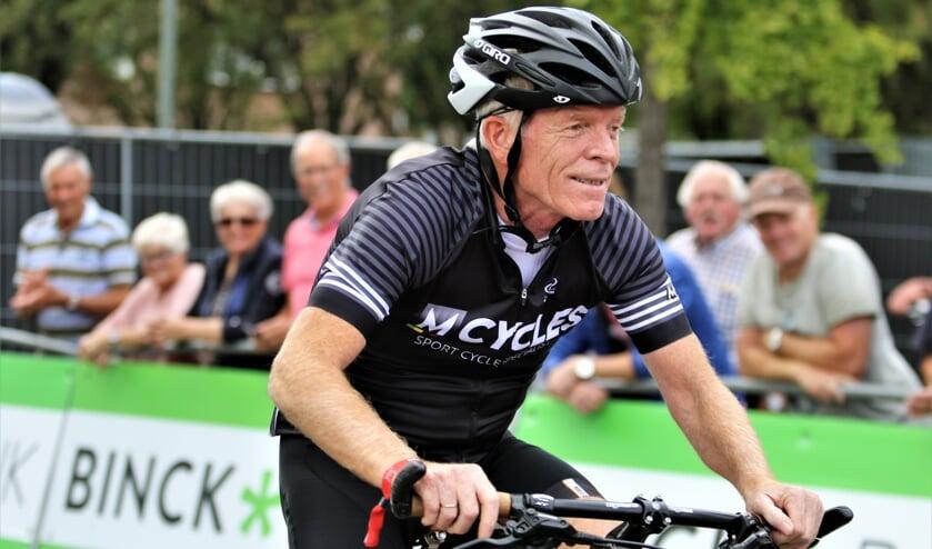 Peter Winnen is een van de deelnemers aan het wielercafé in Schouwburg Venray