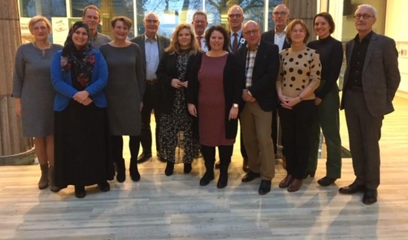 Leden Participatieraad sociaal domein met burgemeester Luc Winants en wethouder Anne Thielen.