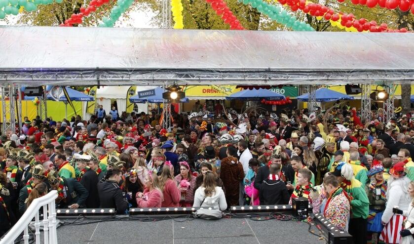 In Overloon vindt al jaren op de elfde van de elfde een buitenspektakel plaats. Venray start komend jaar.