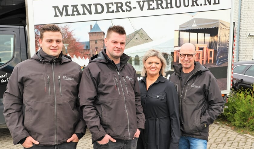 <p>Bob, Nick, Rianne en Hans Manders blijven ook tijdens de coronacrisis positief.</p>