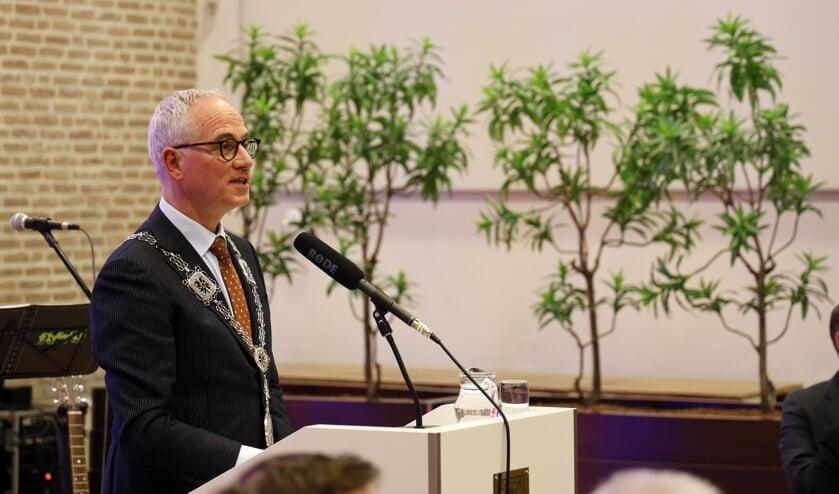 <p>Burgemeester Luc Winants maakte dinsdag publiekelijk zijn excuses aan de gemeenteraad. &nbsp;&nbsp;</p>
