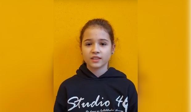 Fee Willems van basisschool Maria Goretti wint gedichtenwedstrijd