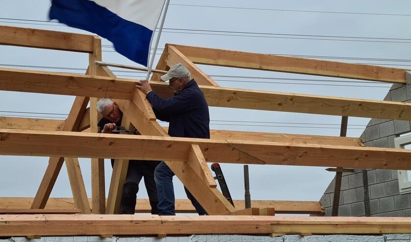 <p>De vlag wordt gehesen op Weverslose volmolen in Merselo.&nbsp;</p>