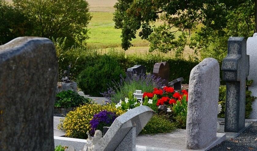 <p>Tuintje in ons hart ontzorgt nabestaanden met betrekking tot het onderhoud van het graf van dierbaren.</p>