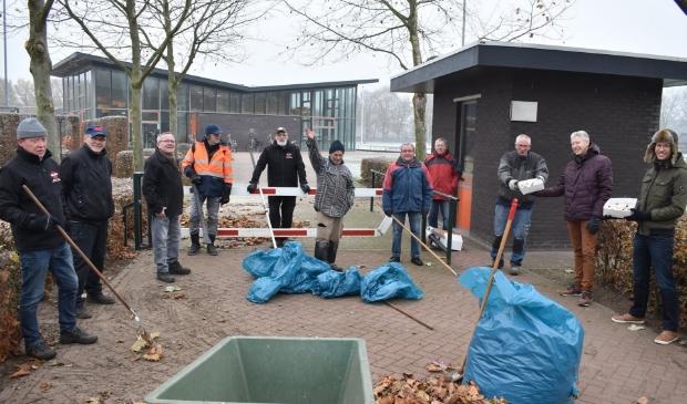 Dorpsraad trakteert de Offerse vrijwilligers bij De Alverman