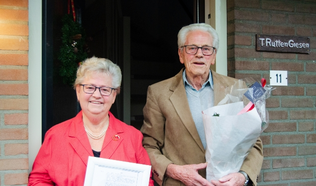 <p>Echtpaar Annie en Theo Rutten-Giesen 60 jaar getrouwd</p>