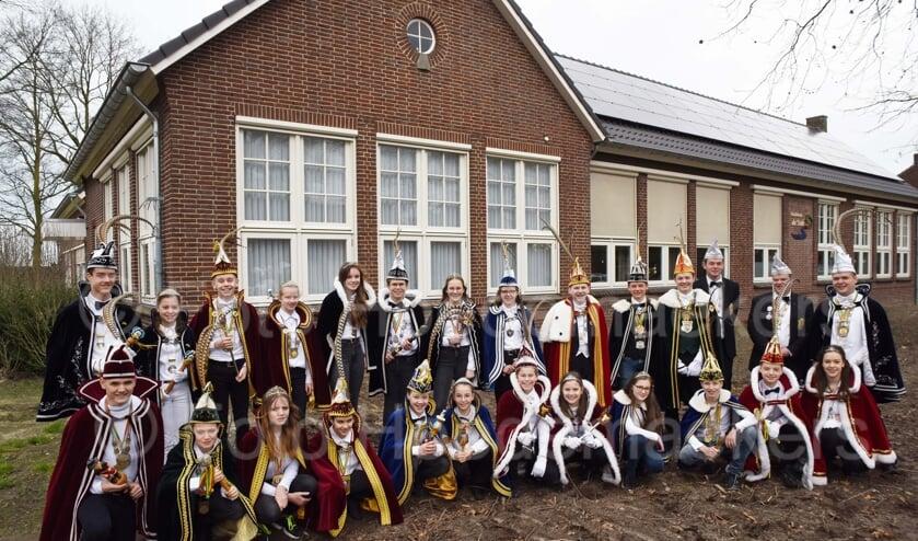 De jeugdprinsen en jeugdprinsessen uit de kerkdorpen en kom van Venray.
