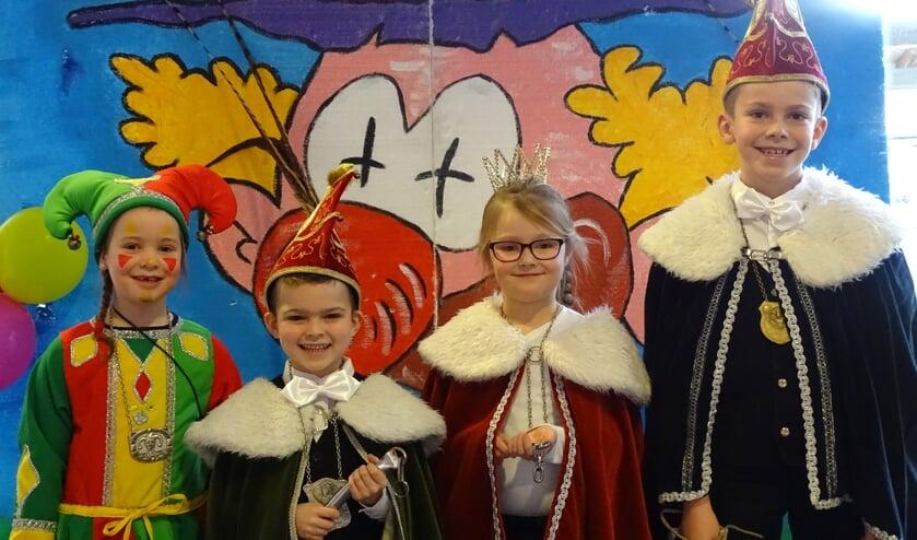 Prins Stan, prinses Niene, nar Maud en vorst Jan.