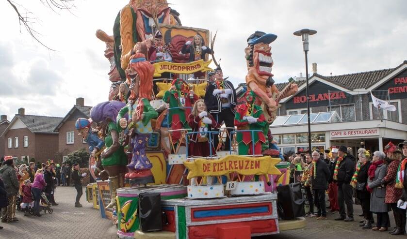 <p>Veel Limburgse carnavalsverenigingen hebben de festiviteiten al afgeblazen of kiezen voor een alternatieve invulling. &nbsp;</p>