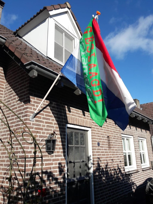 De Metameervlag en wimpel hangt uit voor alle geslaagde leerlingen.