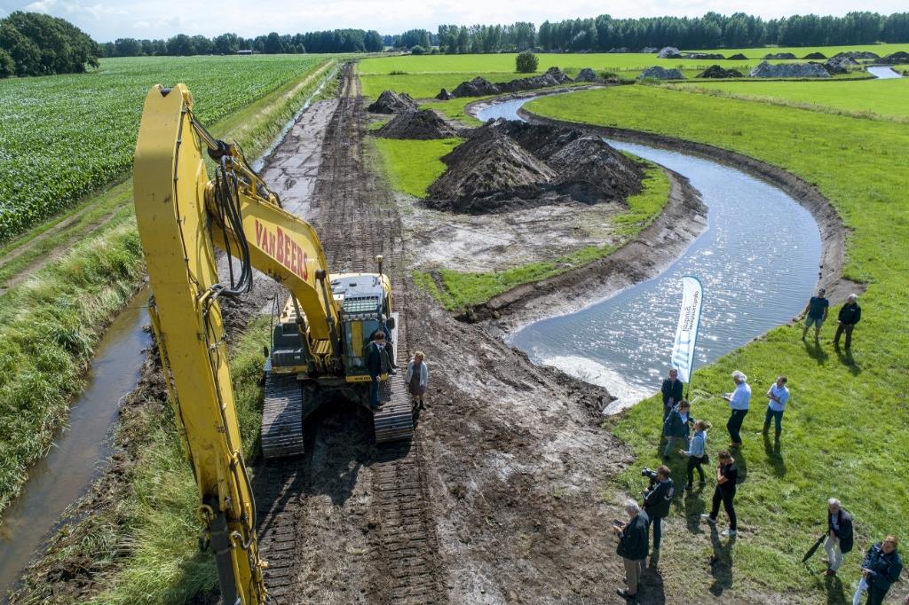 De Loobeek wordt over een lengte van ongeveer zes kilometer natuurlijk slingerend aangelegd. Foto: Persfoto © Peel en Maas Venray