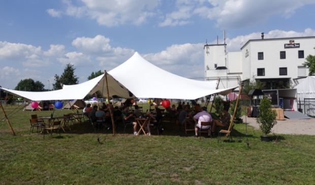 <p>Pub-up camping bij de Hertog Jan brouwerij</p>