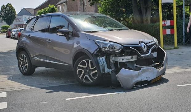 Eerste ongeluk op de vernieuwde kruising.