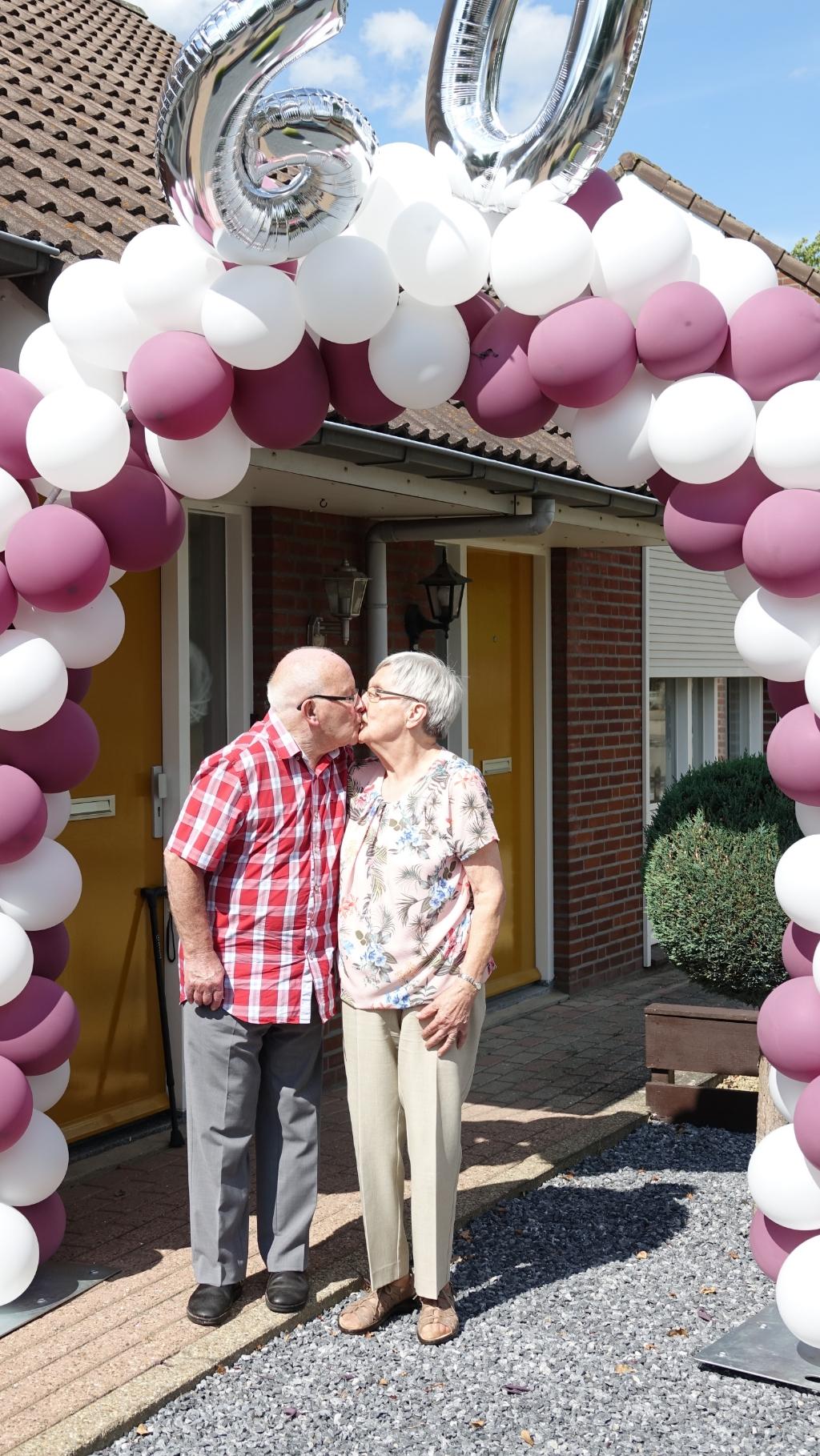 Wiel en Truus Gooren 60 jaar getrouwd Foto:Wiel en Truus Gooren 60 jaar getrouwd © Maasduinencentraal