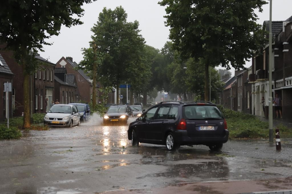 <p>Voorzichtig rijden.....</p> <p>Foto: SK-Media</p> © Peel en Maas Venray